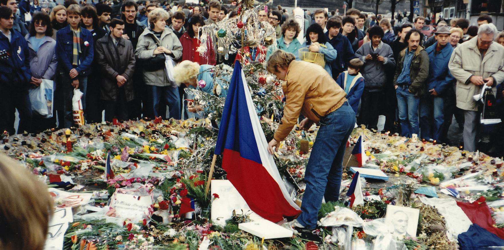 Václav Havel encabeza la Revolución de Terciopelo