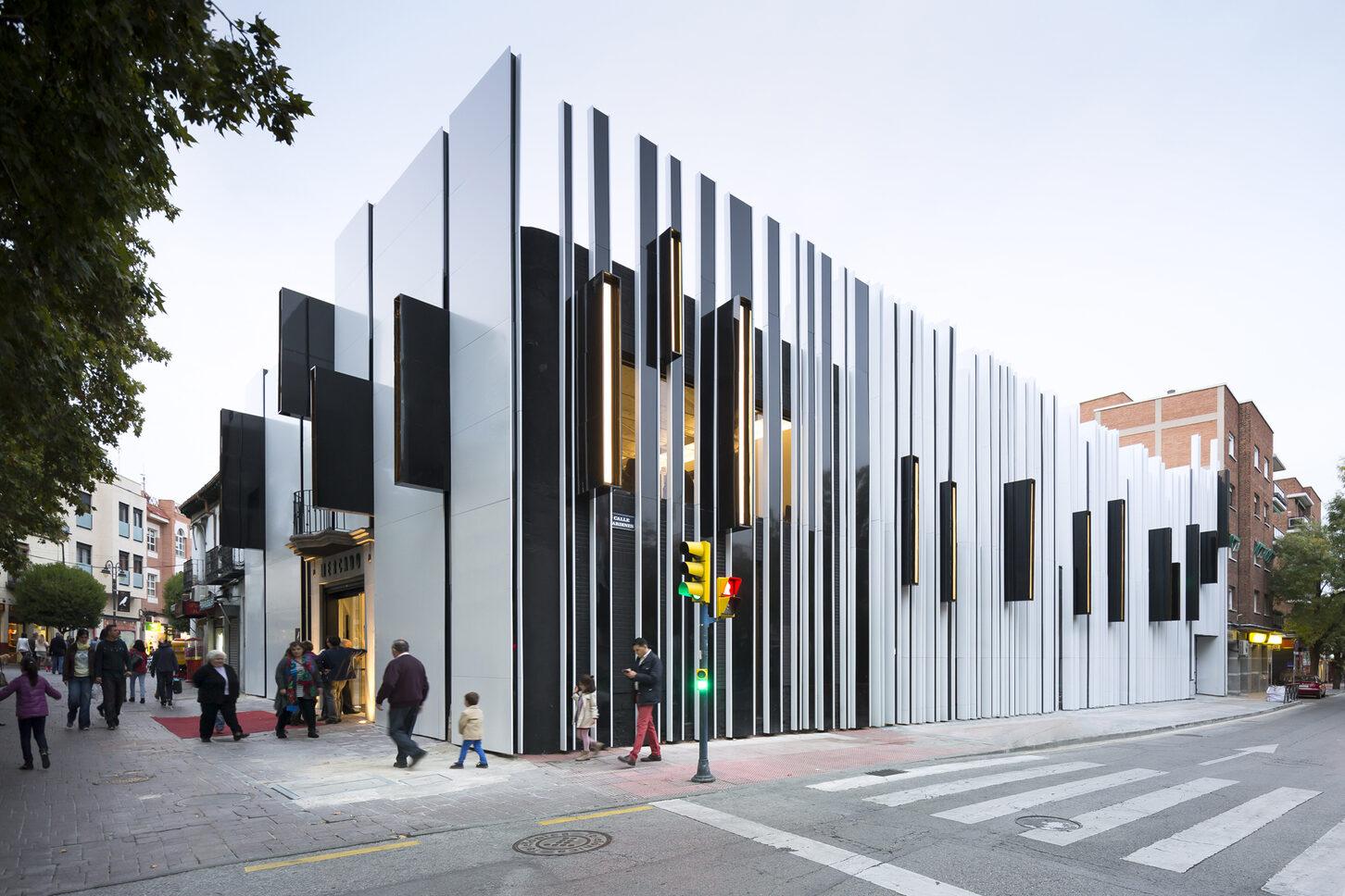 Edificio TGA Barcelona STACBOND